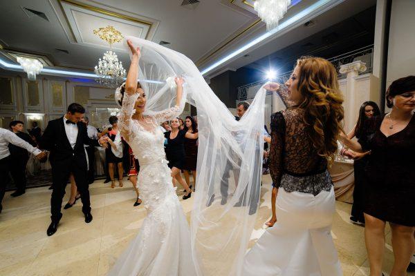 petrecere-la-nunta