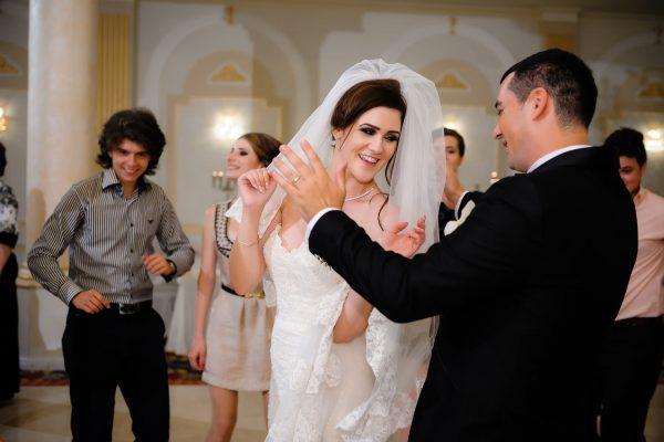 petrecere-nunta-miri