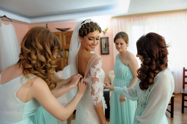 pregatirile-miresei-la-nunta